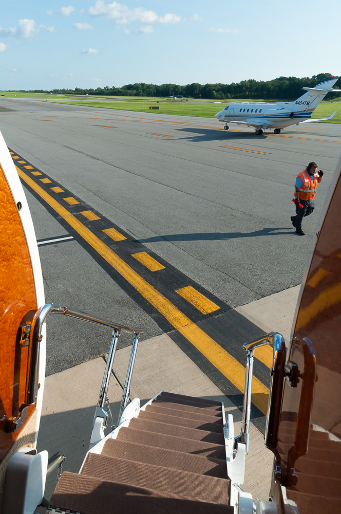 What It's Like to Fly on a Private Jet   Thought & Sight